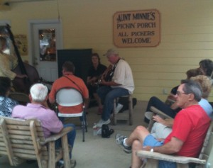 Jam session on Aunt Minnie's Pickin Porch